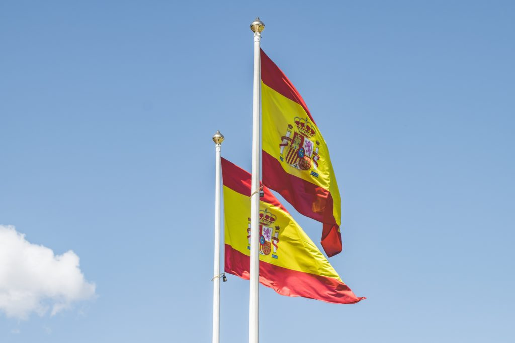 Obtaining a N.I.E. for non-residents. N.I.E. for British citizens who wish to complete paperwork or legal formalities in Spain. Sworn Spanish translator.